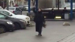 femeia cu copilul decapitat