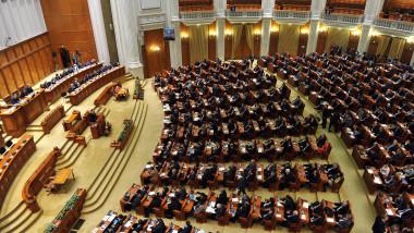 plen parlament AGERPRES-3