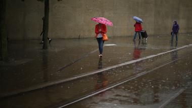 ploaie umbrele getty