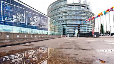 parlamentul european - facebook