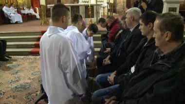 spalare picioare catolici