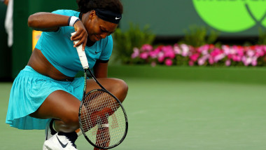 serena williams in pain - GettyImages-517670740