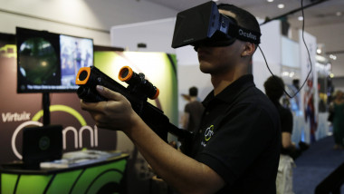 Oculus Rift GettyImages-450394538