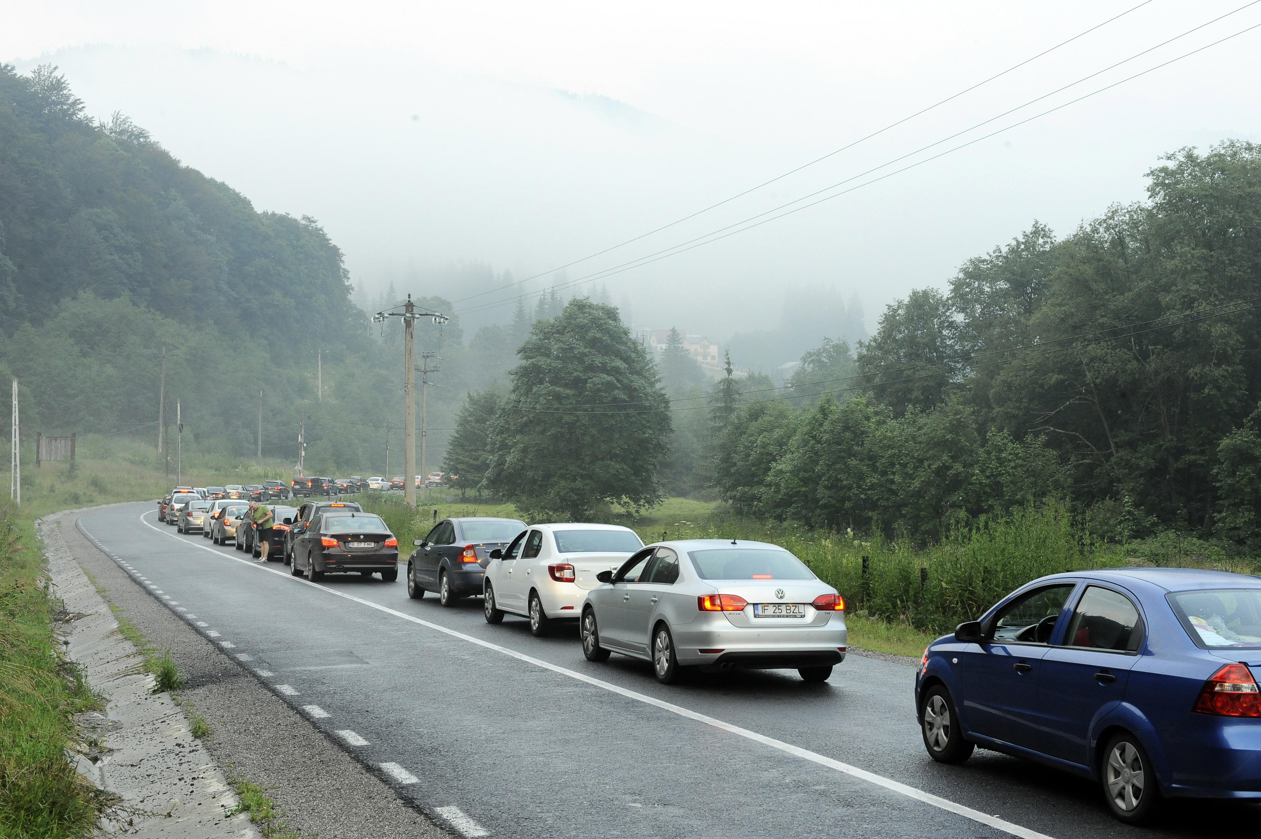 Bode a gasit o solutie pentru traficul de pe Valea Prahovei: Am identificat un drum forestier care poate fi folosit ca ruta alternativa