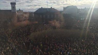 protest islanda twitter