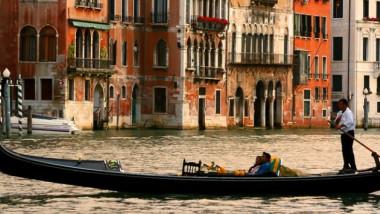 Venice Hero 6 960x355