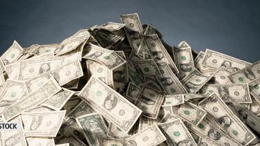 gramada de dolari