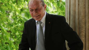 """Cum a ajuns Robert Turcescu """"ofiţer acoperit"""". Versiunea lui Traian Băsescu"""