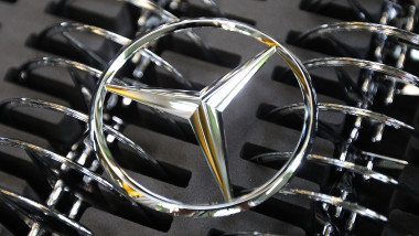 logo mercedes GettyImages-148443658