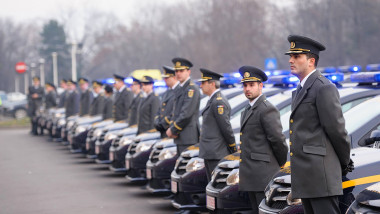 anaf inspectori langa masini - foto facebook anaf - 06 08 2015