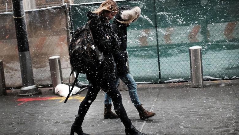 ninge strada ninsoare zapada - GettyImages - 19 oct 15