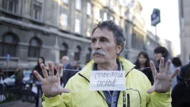 160506 protest sanatate 02 INQ Octav Ganea 1