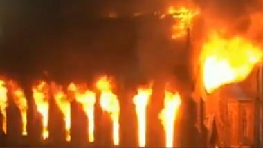 biserica incendiu
