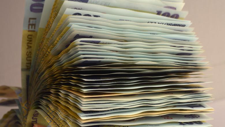 lei bancnote bani -agerpres - 17 august 2015 1