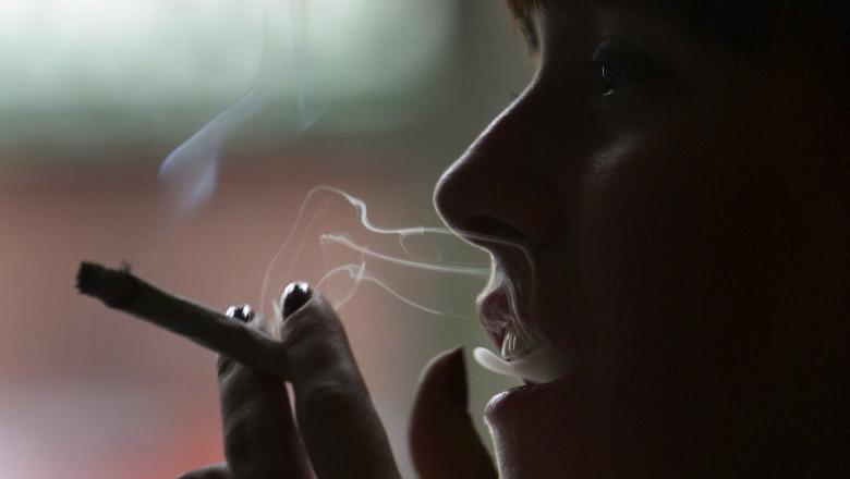 tigara fumatoare femeie GettyImages-73244614