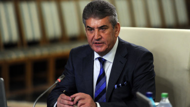 Gabriel Oprea sedinta de Guvern gov 1