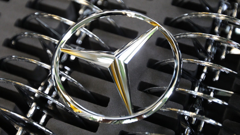 logo mercedes GettyImages-148443658-1
