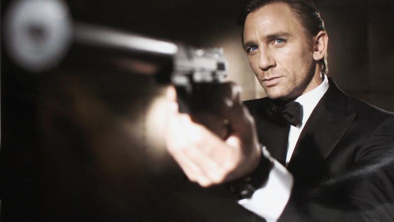 Daniel Craig James Bond GettyImages-55920525