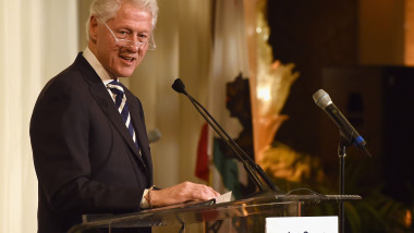 bill clinton GettyImages-528387384