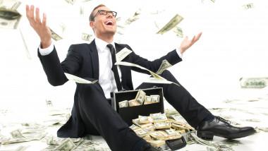 wealth-addict