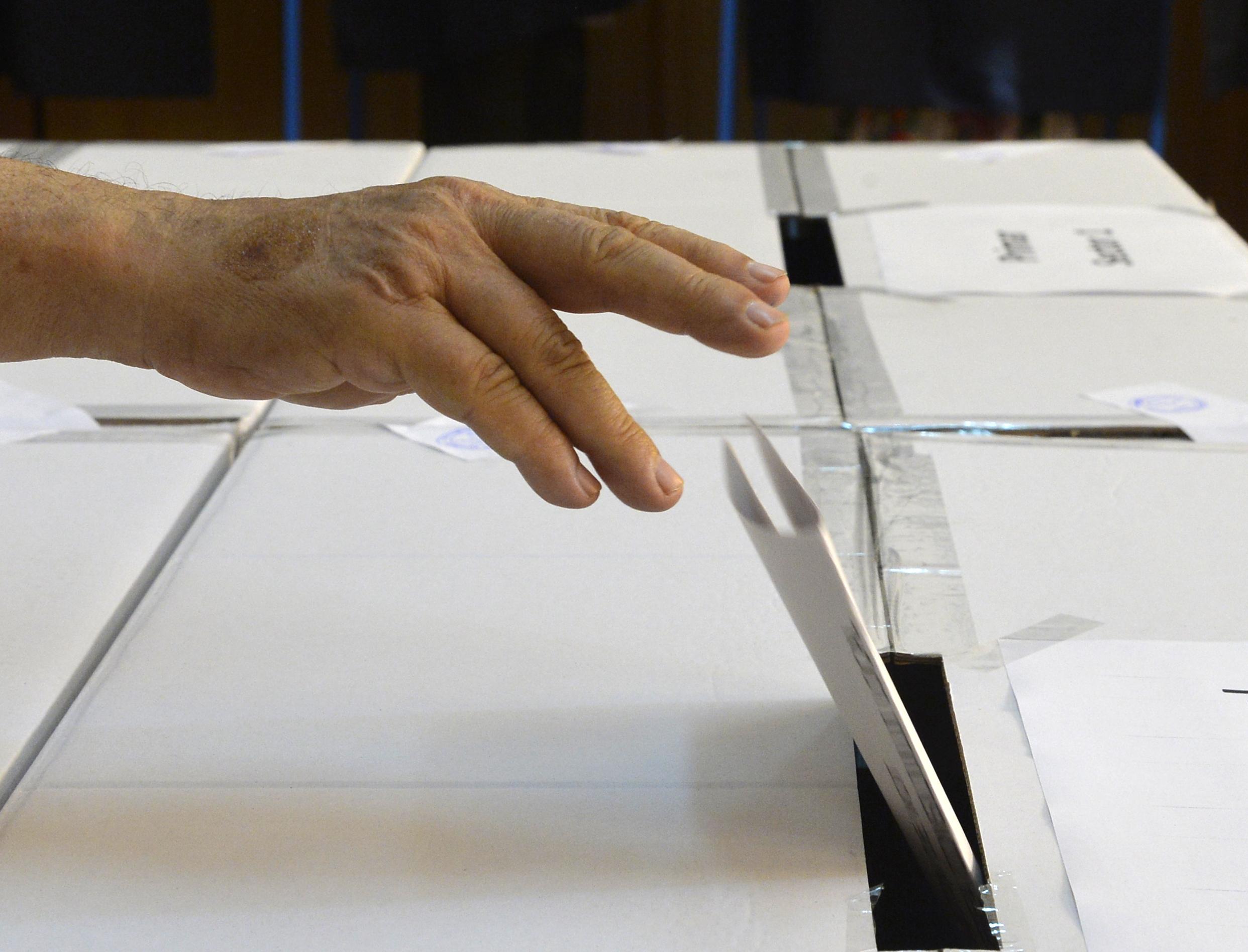 Studenţii cer să poată vota din centrele universitare la alegerile locale, să nu mai meargă acasă
