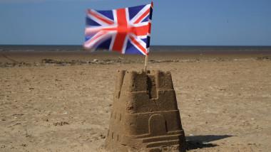 castel nisip steag uk getty