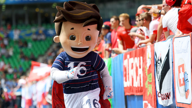 mascota euro 2016 super victor - GettyImages-542918870