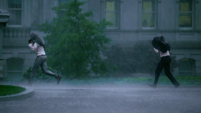 ploaie aversa oameni - GettyImages - 20 august 15-1