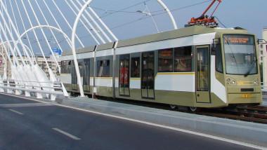 tramvai 1 ratb transport in comun foto facebook RATB 04 08 2015-1