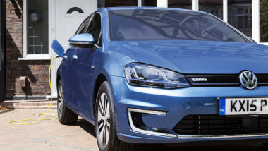 vw e golf hibrid getty