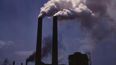 poluare foto wikipedia 08 10 2015