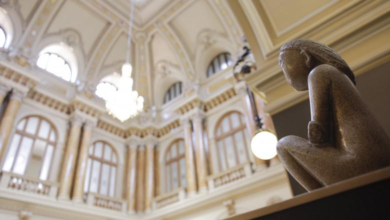 Cumintenia pamantului in muzeul BNR INQUAM Octav Ganea 1