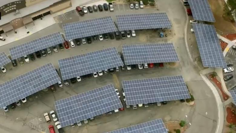 panouri solare tesla