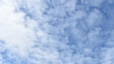 Vremea meteo soare cu nori decembrie cald agerpres 8127286-3