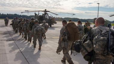 nato soldati americani elicopter - flickr nato 1