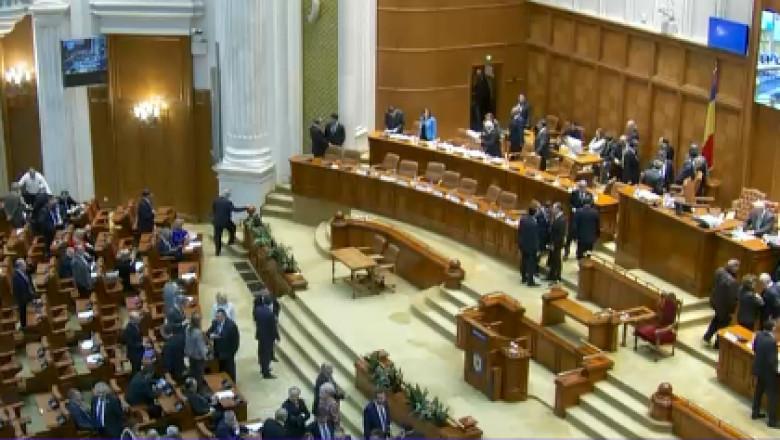 parlament-1