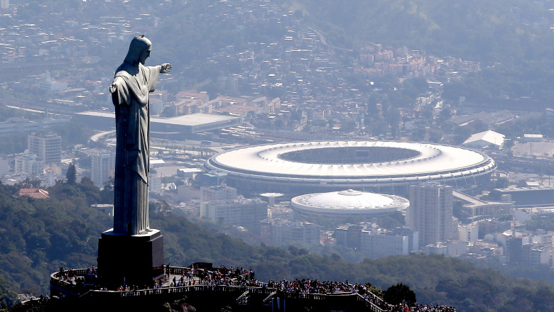 Statuie Iisus si stadion olimpic Rio Brazilia GettyImages-545077012