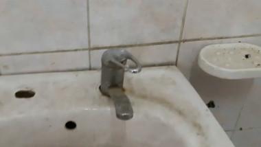 conditii mizere toalete vama