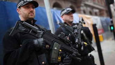 politia politie politisti inarmati marea britanie anglia 2GettyImages-497507670