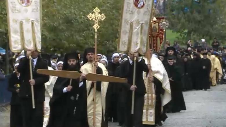 biserica preoti procesiune