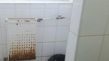 toalete ruginite spital