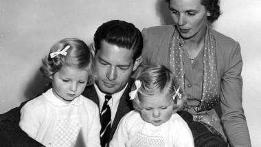 Regele-Mihai-Regina-Ana-Principesele-Margareta-si-Elena-1954