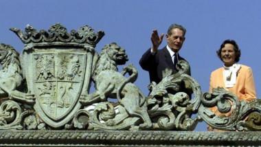 regele si regina terasa elisabeta