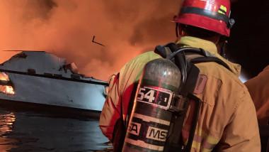 incendiu-barca-california (2)