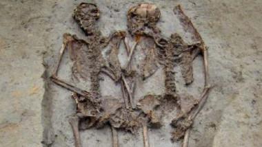indragostitii din modena schelet foto archeomodena