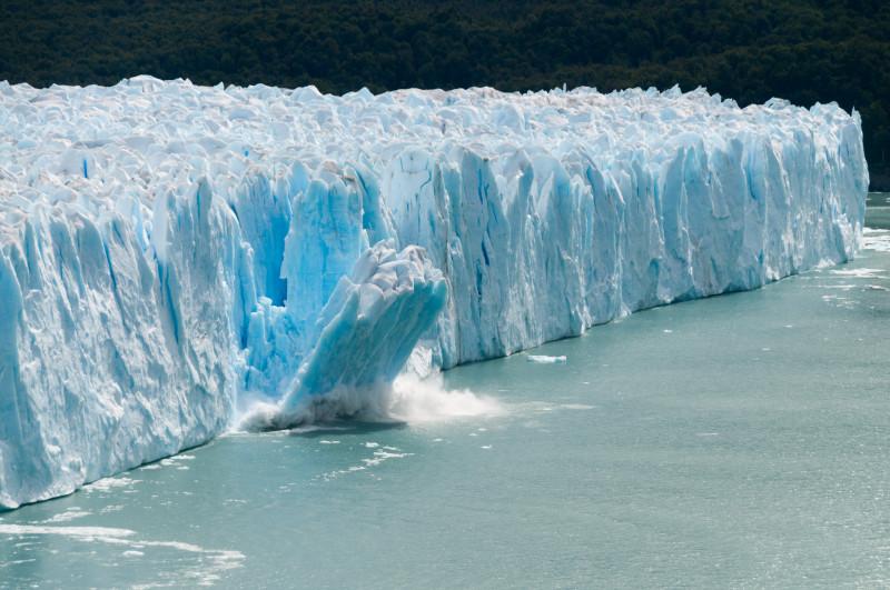 Topire gheţari provocată de încălzirea globală