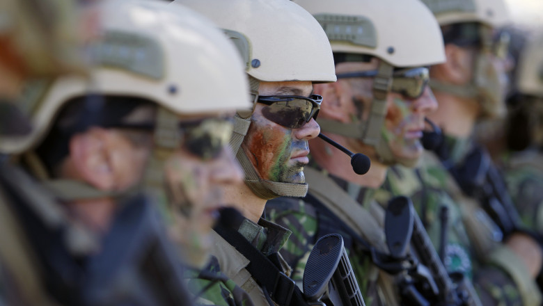 militari trupe speciale