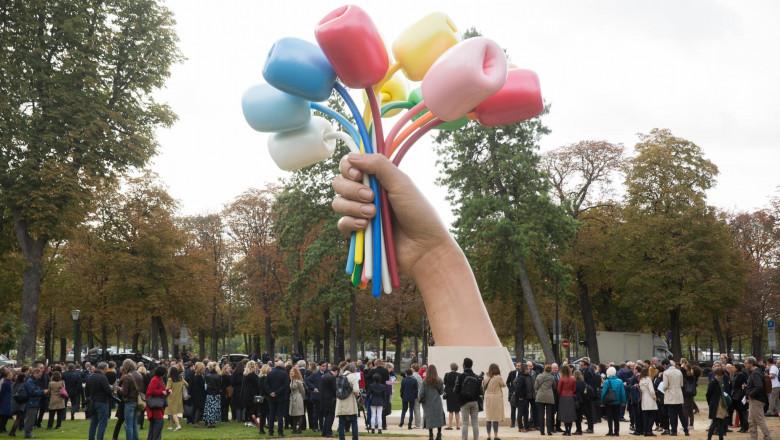 monument-lalele-atacuri-teroriste-paris-bataclan (1)