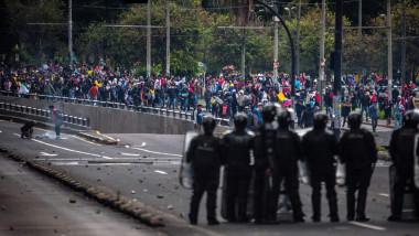 proteste-masive-violente-quito-ecuador-masuri-de-austeritate