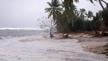 Kiribati Cyclone Pam Batters South Pacific Islands